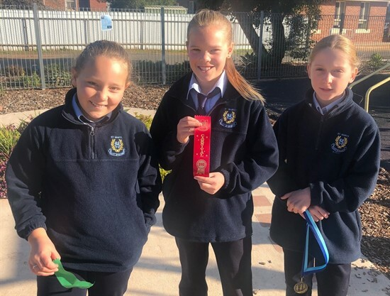 10 year old girls - Cate Curry, Ava McClintock and Asha McDonell